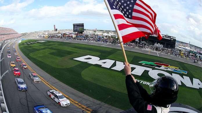 Daytona-500-Restart
