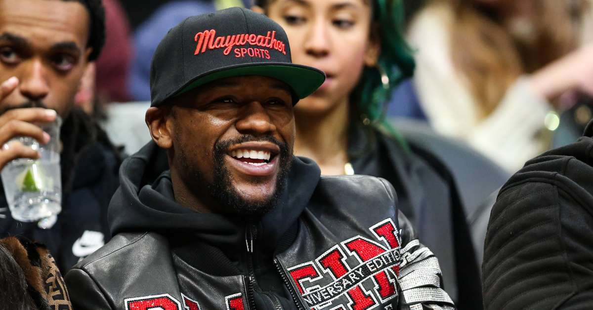 Floyd Mayweather eyeing Conor McGregor fight