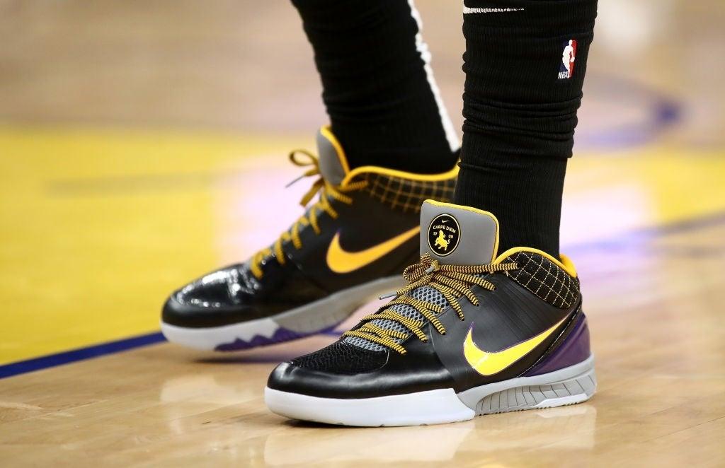Anthony Davis Wears 'Carpe Diem' Nike