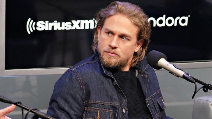 hunnam-flowers-girlfriend