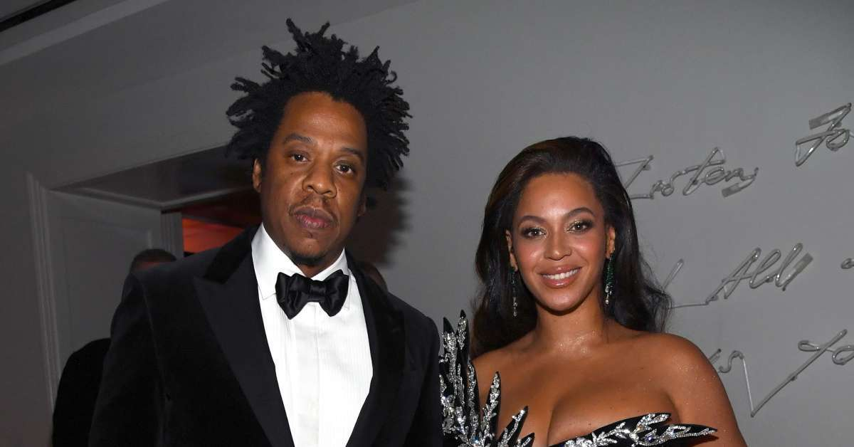 Jay-Z Beyonce not stand national anthem 2020 (1)
