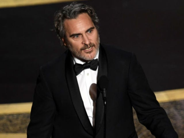 Oscars 2020: Joaquin Phoenix Wins for 'Joker,' and Fans Have Thoughts