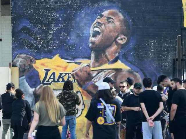 Kobe Bryant Fans Without Memorial Tickets Told to Stay Clear of Staples Center During Service