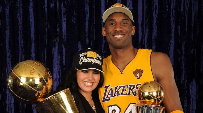 kobe-bryant-vanessa-bryant-lakers-trophy-Getty