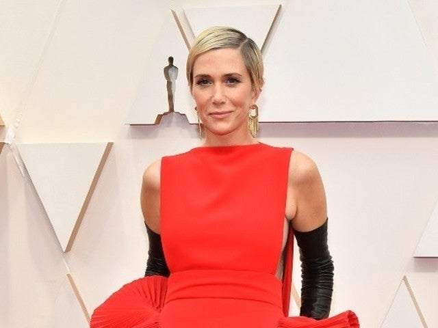 Oscars 2020: Kristen Wiig's Dress Sparks Hilarious Reactions From Viewers