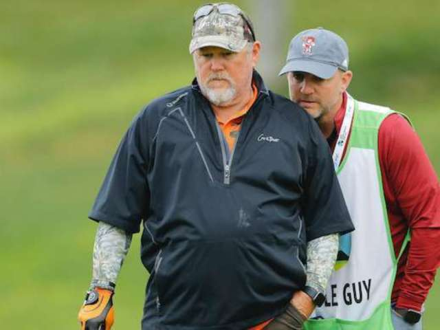 Larry the Cable Guy Is Apparently Really Into Golf