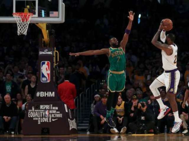 Kobe Bryant: Side-By-Side Video Compares LeBron James' Perfect 'Fade Away' Tribute to Lakers Icon
