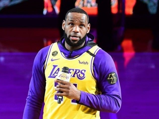 Lebron James' Kobe Bryant Speech During Lakers Tribute Has Fans in Their Feelings
