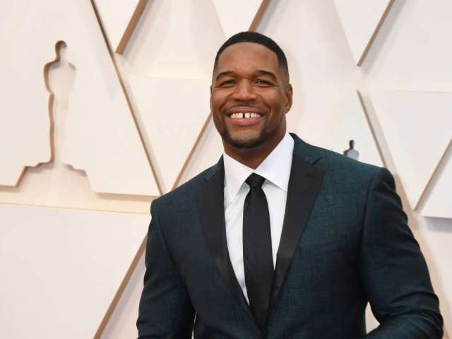 Michael Strahan Proves He's Still in NFL Shape in Side-by-Side Comparison From His Giants Days