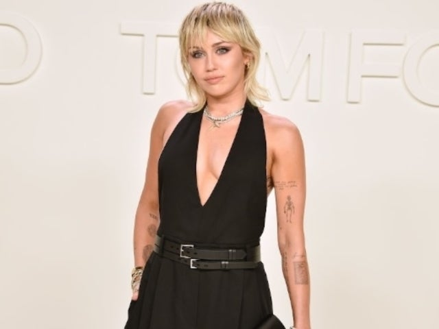 Miley Cyrus Fans Praise Pop Star After Pointing out Her Own Wardrobe Malfunction
