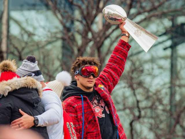 Patrick Mahomes Rocks Kobe Bryant Jersey Ahead of Chiefs Super Bowl Victory Parade