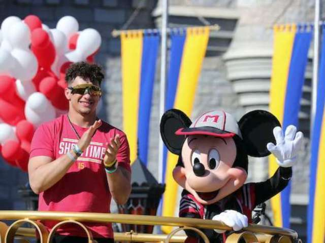 Super Bowl 2020: Patrick Mahomes Is Now Selling Shirts With His 2013 'Going to Disney World' Tweet on Them