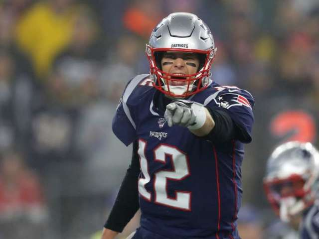 Patriots Reportedly Willing to Pay Tom Brady $30 Million to Stay in New England