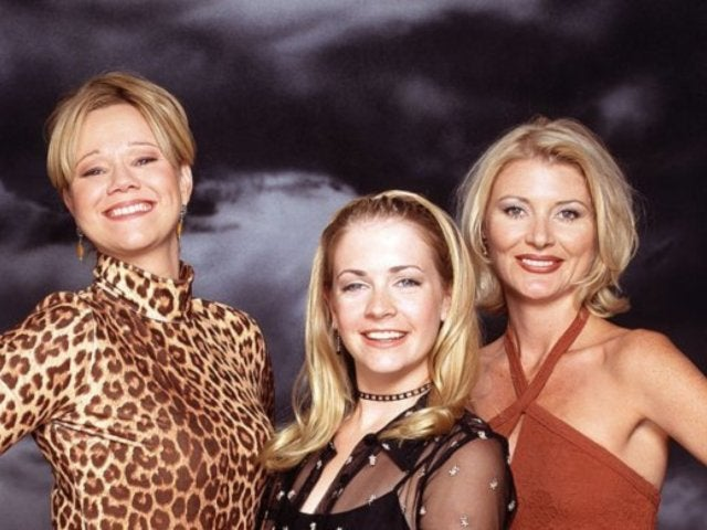 'Sabrina the Teenage Witch': Melissa Joan Hart Reveals Plans for Huge Reunion With Over 80 Cast, Crew Members