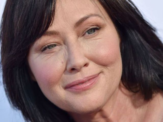 Shannen Doherty Says She's 'Dying' and Wants to Live 'Peacefully' at Her Home After Stage IV Cancer Diagnosis