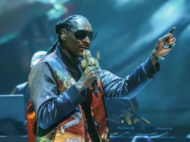 Snoop Dogg Shares Explicit Message Amid Gayle King and Kobe Bryant Controversy