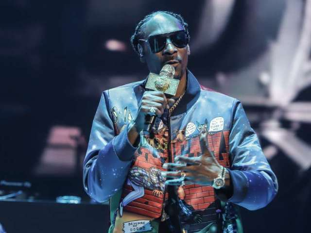 Snoop Dogg Fires Back at Gayle King With Multiple Posts Following Kobe Bryant Rape Questions: 'Let the Family Mourn in Peace'