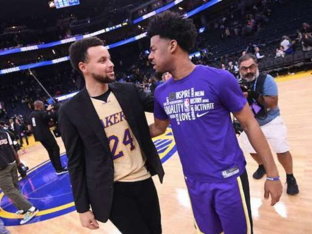 Stephen Curry Wears Kobe Bryant Jersey to Lakers vs. Warriors