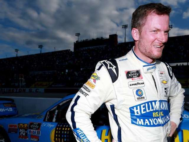 Super Bowl 2020: Dale Earnhardt Jr. Unites With Archie, Peyton and Eli Manning in Miami