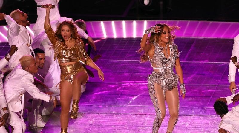 Super Bowl 2020 Halftime Show Jennifer Lopez And Shakira Set Social Social Media On Fire