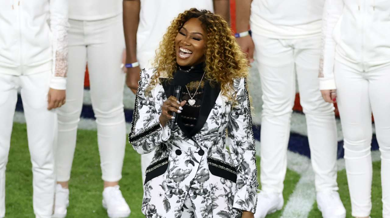 yolanda-adams-super-bowl