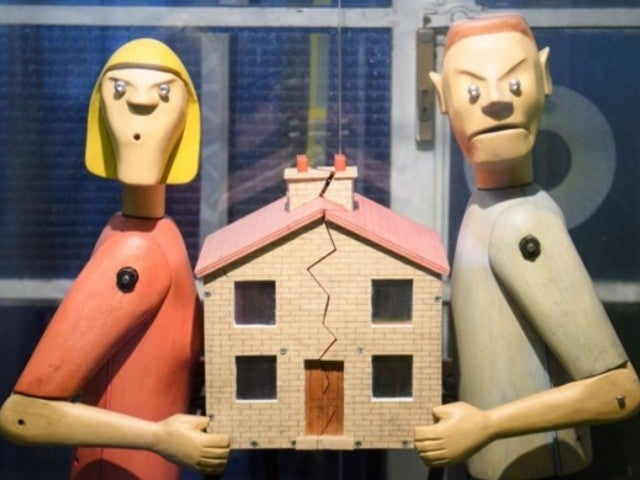 Divorce Inquiries Apparently Spiking Due to Couples' Quarantines, Financial Stress