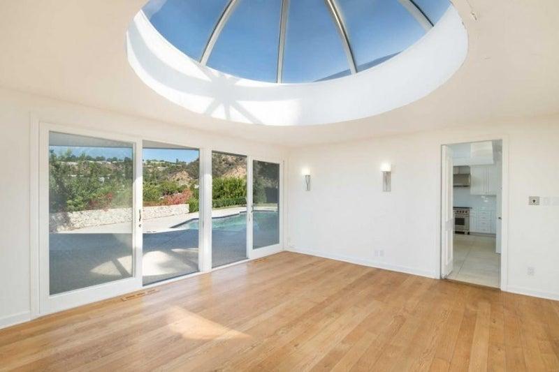 elvis skylight