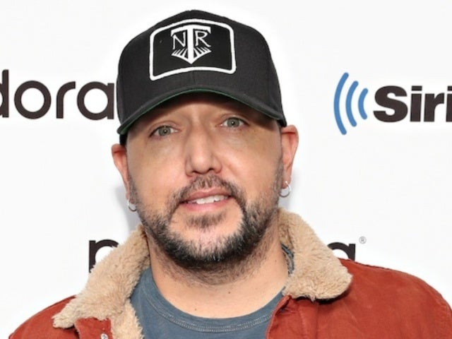 Jason Aldean and His Kids Are 'Irish Triplets' in Adorable New Photo