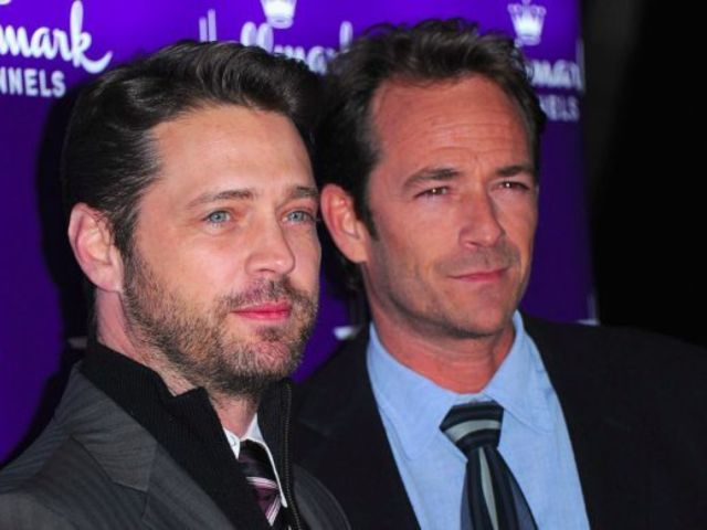 Jason Priestley Honors '90210' Co-Star Luke Perry One Year After His Death