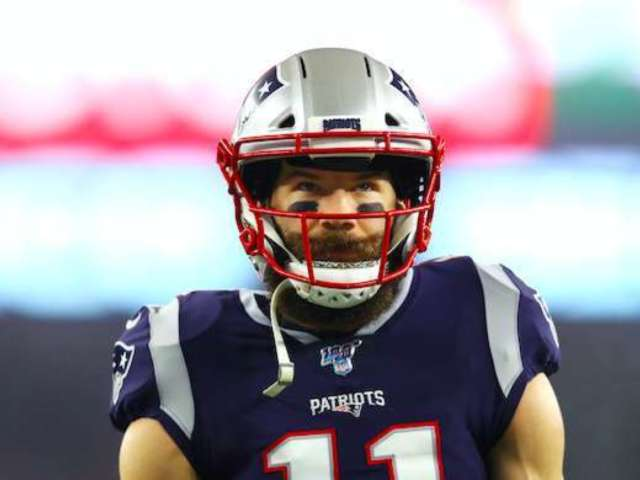 Patriots' Julian Edelman 'Campaigns' for Tom Brady to Stay With Patriots Using New T-Shirt