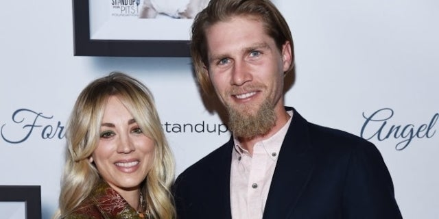 kaley cuoco karl cook getty images