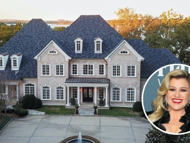 Tour Kelly Clarkson's Finally Sold $6.3M Waterfront Tennessee Mansion
