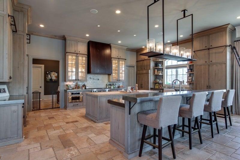 kelly clarkson house kitchen