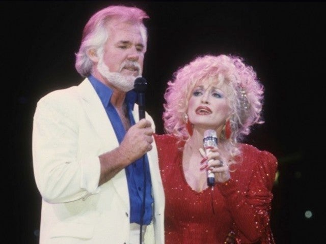 Kenny Rogers Dead: Watch His Final Duet With Dolly Parton During Farewell Tribute