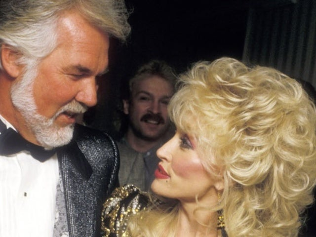 Kenny Rogers' Death Breaks Dolly Parton's Heart, and Fans Are Comforting Her