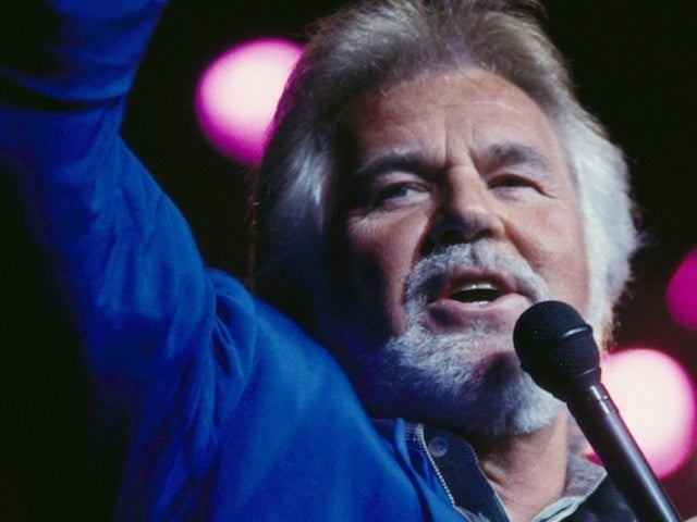 Kenny Rogers' Family Asks Donations Be Made to COVID-19 Relief Fund in His Honor