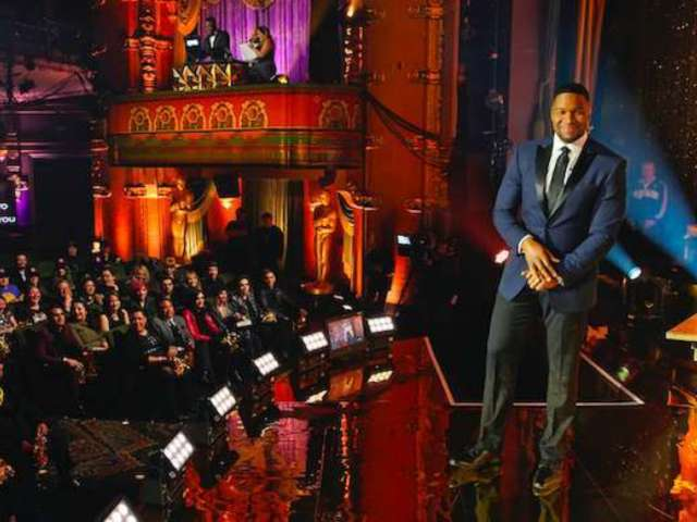 Why Michael Strahan Fans Are Freaking out Over His His Behind-the-Scenes 'GMA' Video