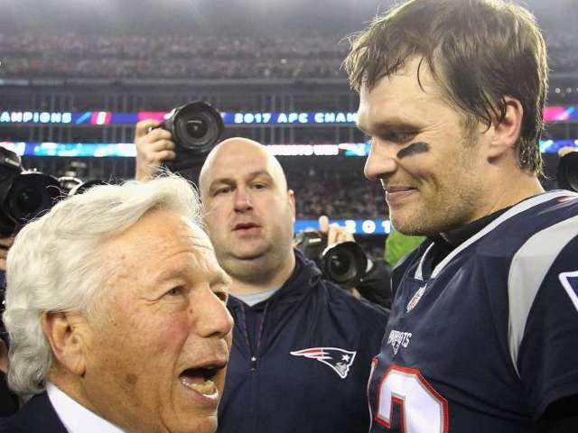 Patriots Owner Robert Kraft Thanks Tom Brady With Full-Page Ad in Tampa Bay Newspaper