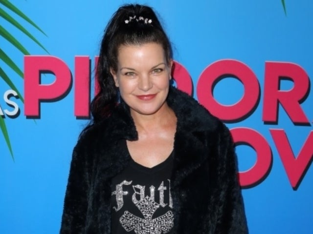 'NCIS' Alum Pauley Perrette Wears Face Mask, Buys Food for Her Entire Neighborhood During Coronavirus Lockdown