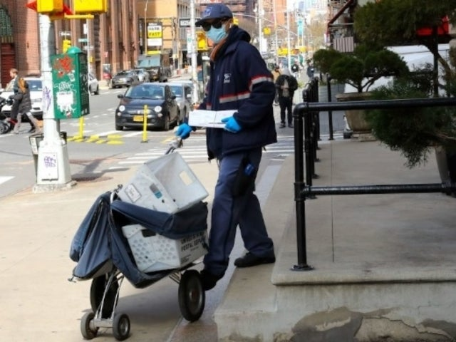 USPS Employees Forced to Continue Work Despite Shortage of Cash, Protection Amid Coronavirus Pandemic