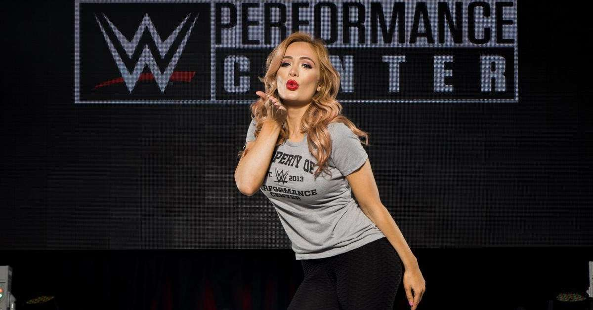 Scarlett Bordeaux Teases WWE Debut With Leather-Filled Snap