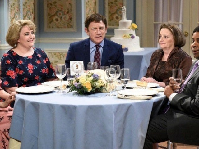 'SNL': Rachel Dratch's Debbie Downer Welcomed Back Amid Coronavirus Fears
