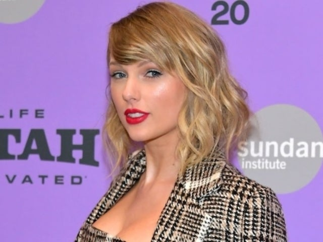 Taylor Swift Pleads With Fans Amid 'Really Scary' Coronavirus Time