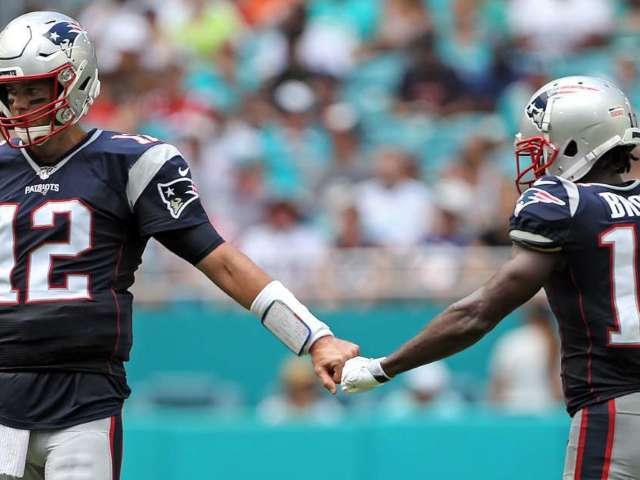 Tom Brady Reportedly Wants to Play With Antonio Brown Next Season