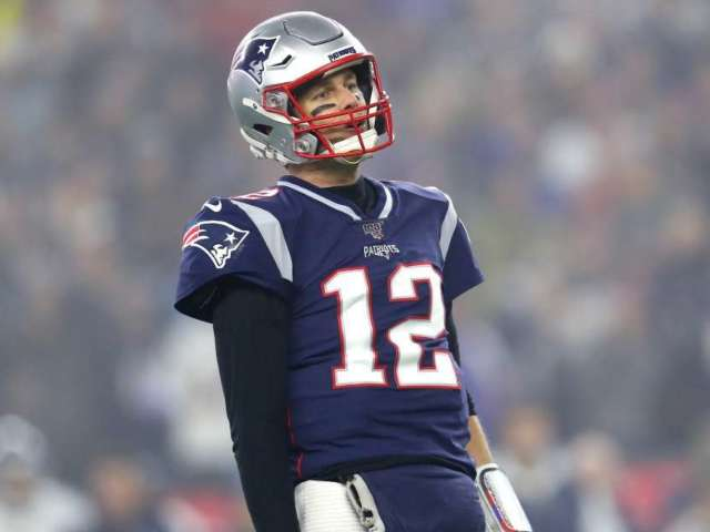 Tom Brady Sends Message to Patriots Teammates While Announcing Franchise Exit