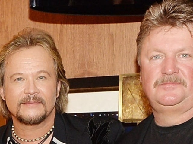 Travis Tritt Reveals One of His 'Favorite Photos' With Joe Diffie