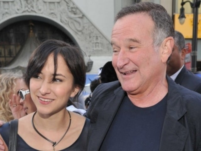 Robin Williams' Daughter Zelda Shares Rarely Seen 'Fun' Photobooth Snaps With Late Father