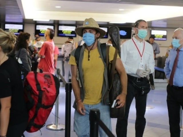 Coronavirus Pandemic: Moscow Flight to New York Erupts Into Chaos After Being Canceled on Runway