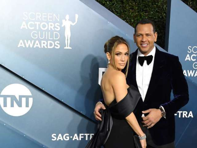 Alex Rodriguez and Jennifer Lopez Looking to Buy New York Mets