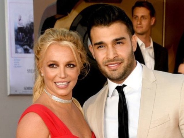 Britney Spears' Boyfriend Sam Asghari Spotted Wearing Bizarre Looking Protective Mask During Coronavirus Pandemic
